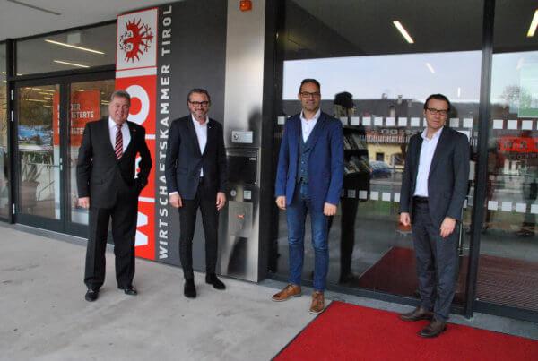 Alt-Obmann Martin Hirner, Bezirksobmann Manfred Hautz, WK-Präsident Christoph Walser und Bezirksstellenleiter Peter Wachter (v.l.).