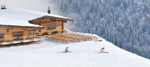 Corona-Maßnhamen: Leere Skihütten
