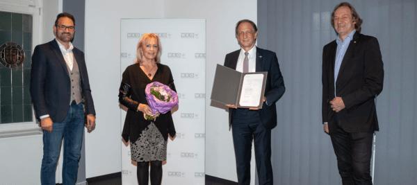 Kommerzialrat Arno Wimmer (2.v.r.) mit Gattin Irma Wimmer-Wechsler, WK-Präsident Christoph Walser (l.) und Dietmar Hernegger, Spartenobmann Information und Consulting.
