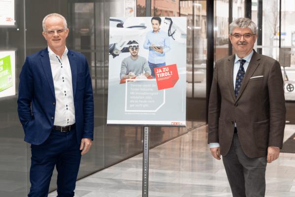 Hermann Lindner (re.) hat heute das Amt als Spartenobmann Industrie an Max Kloger übergeben.