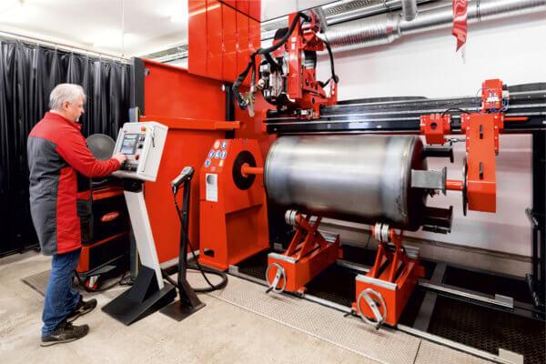 Schweißautomat für exakte Längs- und Rundnähte der Anton Eder GmbH.