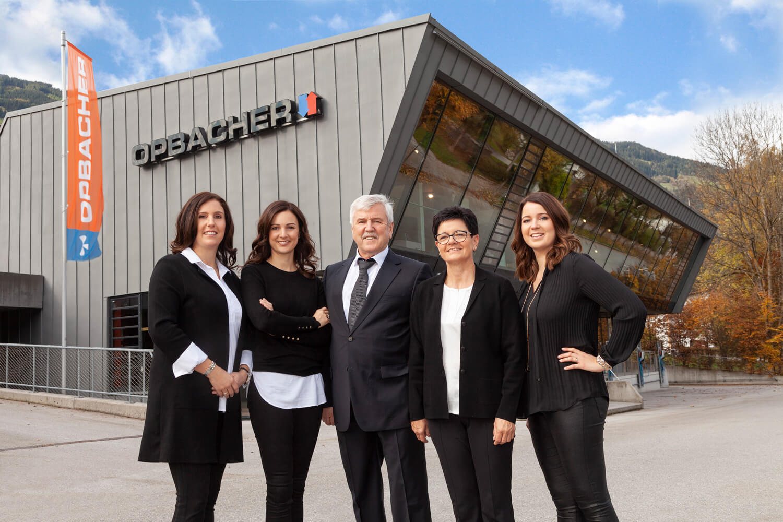 Unternehmerfamilie: Viktoria Neuner-Opbacher, Katharina, Franz, Claudia und Veronika Opbacher (v.l.)
