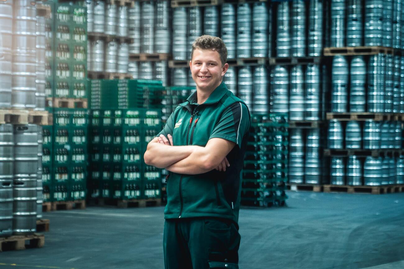 Florian Kröll wird beim Traditionsunternehmen Zillertal Bier zum Brau- und Getränketechniker ausgebildet.