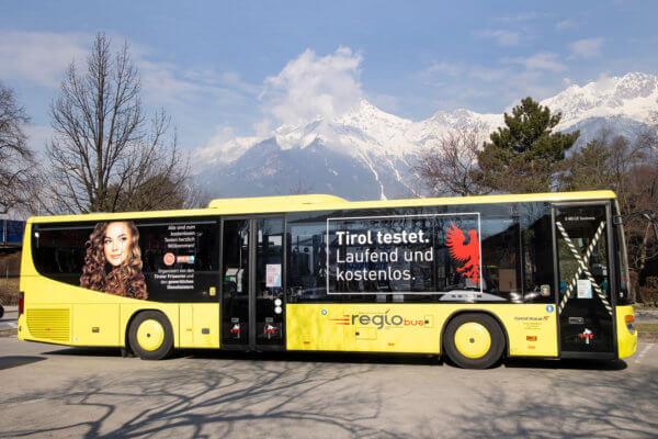 Im Test-Bus der Tiroler Friseure und der Gewerblichen Dienstleister werden weiterhin kostenlose Antigentests angeboten - er macht wöchentlich in Maurach, Zirl, Innsbruck, Landeck und Axams Station.