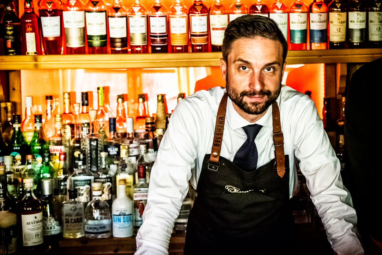 Barkeeper Andreas Hotter, Kursleiter für Diplombarkeeper am WIFI