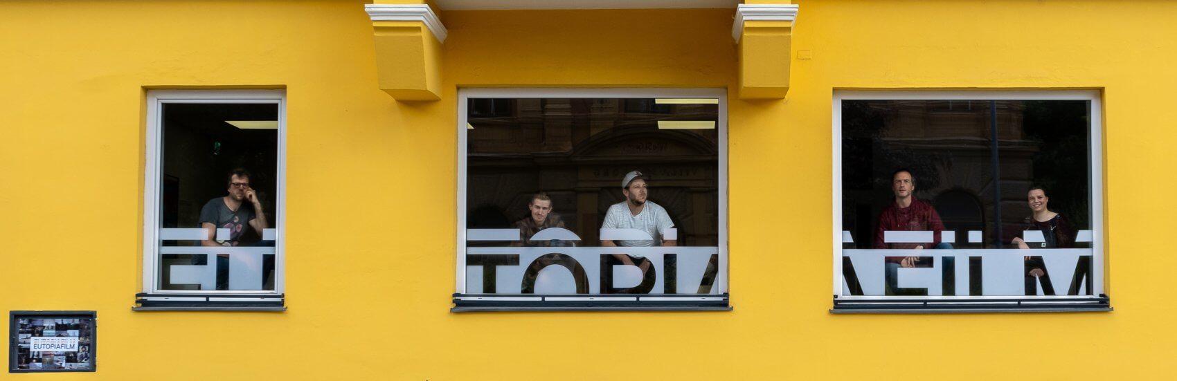 Im Headquarter im Innsbrucker Stadtteil Saggen ist das Team von Eutopiafilm beheimatet