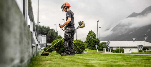 Egal ob Privat- oder Geschäftskunden, Matthias Kurz und die Mitarbeiter von HMK verpassen jedem Rasen den passenden Schnitt.