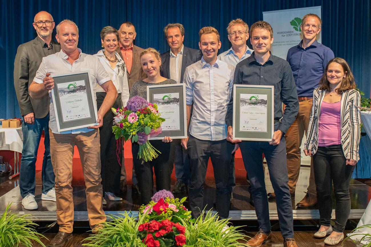 Vertreter der Arge Vordenken und die Gewinner des Osttirol Innovation Award 2021