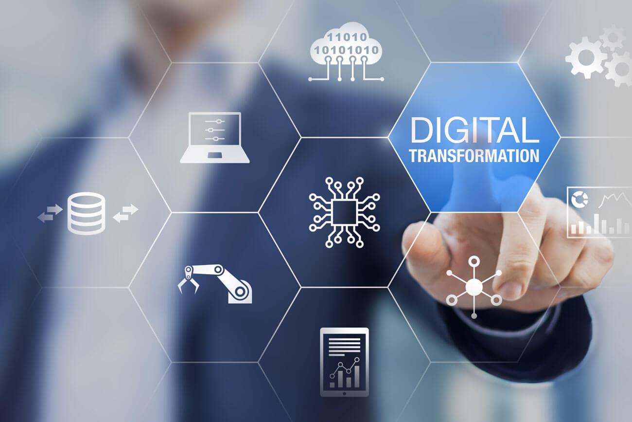 Ruth Breu, wissenschaftliche Leiterin des Digital Innovation Hub West (DIH West), zum Thema digitale Transformation