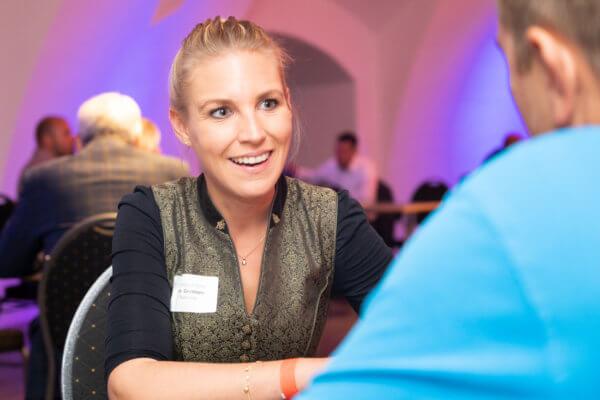 Topf sucht Deckel: Rege Gespräche zwischen den Unternehmern prägten den Abend auf der Festung.